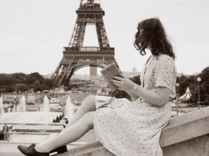 paris-reading-girl-500x375c